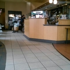Photo taken at Starbucks by Marissa L. on 4/15/2013