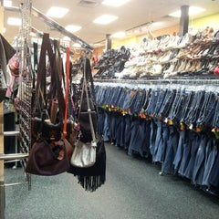Photo taken at Plato's Closet by Naylea H. on 5/26/2013
