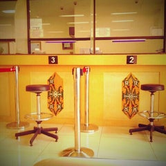 Photo taken at Bank Indonesia Palangka Raya by Mizth Z. on 2/25/2013