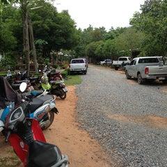 Photo taken at วัดน้ำพรม by AuMz®™ on 7/22/2013