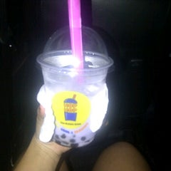 Photo taken at Hop-Hop Bubble Drink by Dian R. on 3/14/2012