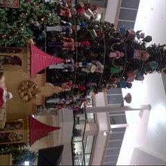 Photo taken at Macy's by Priyamwada V. on 11/22/2013