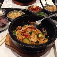 Photo taken at So Gong Dong Tofu House by Bharath G. on 8/10/2015