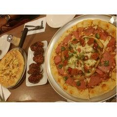 Photo taken at Pizza Hut by eca ayesha on 11/4/2014