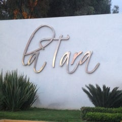 Photo taken at Jardin Terraza La Tara by Ale R. on 3/17/2013