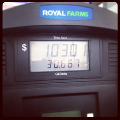 Photo taken at Royal Farms by Cody M. on 1/9/2013