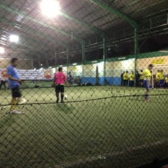 Photo taken at Grand Futsal Kuningan by Boby A. on 4/4/2013