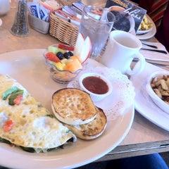 Photo taken at The Egg & I Restaurants by Abdullah M. on 2/27/2013
