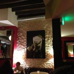 Photo taken at Le Café du Temple by Yasemin E. on 10/15/2013