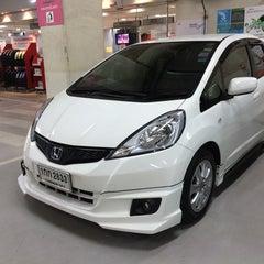 Photo taken at Wong Honda Cars (วอง ฮอนด้าคาร์ส์) by Mou¥ L€K . on 9/13/2014
