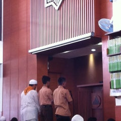 Photo taken at Masjid Daarut Tauhiid by Agus S. on 3/1/2014