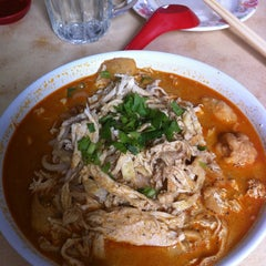 Photo taken at Kedai Kopi Laksa by Lawrence L. on 1/5/2013