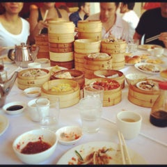 Photo taken at Dim Sum Go Go by Doris C. on 10/5/2012