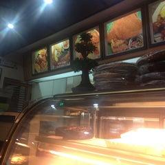 Photo taken at Ninang's Pancit Malabon by Janis M. on 11/26/2012