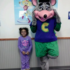 Photo taken at Chuck E. Cheese's by Bryan G. on 1/2/2013