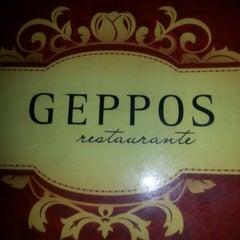 Photo taken at Geppos Restaurante by Pedro M. on 3/15/2013
