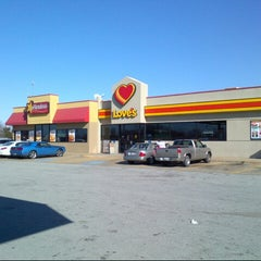 Photo taken at Love's Travel Stop by Tom D. on 1/6/2013