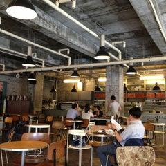 Photo taken at 아모카 (CAFÉ  AMOKKA) by HyungKi H. on 7/9/2013
