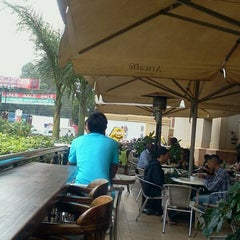 Photo taken at Artcaffe by edtyc t. on 8/13/2013