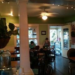 Photo taken at Cafe 976 by Tom J. on 9/5/2014