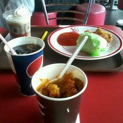 Photo taken at KFC by Rizky K. on 5/1/2013