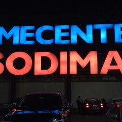 Photo taken at Homecenter Sodimac by Marco G. on 6/3/2013