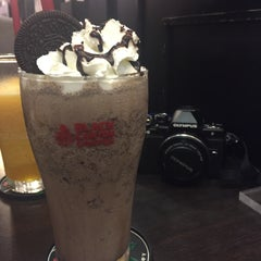 Photo taken at Black Canyon Coffee (แบล็คแคนยอนคอฟฟี่) by PuenG P. on 12/22/2015