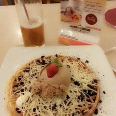 Photo taken at Mr. Pancake by Galuh on 1/19/2013