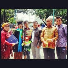 Photo taken at Universitas Islam Bandung (UNISBA) by Liany S. on 5/13/2013