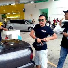 Photo taken at Petronas Bukit Beruntung by Chor A. on 5/4/2014