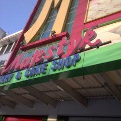 Photo taken at Majestyk Bakery & Cake Shop by Diana S. on 8/6/2014