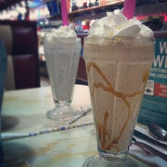 Photo taken at Silver Diner by Kayleigh M. on 1/18/2013