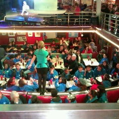 Photo taken at Ellen's Stardust Diner by ™Catherine d. on 4/5/2013