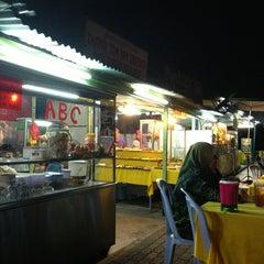Photo taken at Melawati Food Square by Nik H. on 2/13/2013