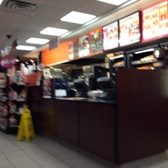 Photo taken at Dunkin' Donuts by Rich W. on 1/15/2014