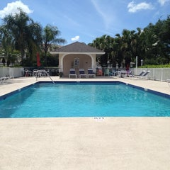 Photo taken at The Pool at Clubside South by George Z. on 4/9/2013