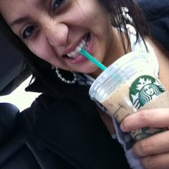 Photo taken at Starbucks by Daisy R. on 4/4/2013