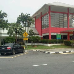 Photo taken at R&R Dengkil (South Bound) by fairul a. on 1/13/2013