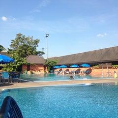 Photo taken at Swimming Pool by Ni-on S. on 1/11/2014