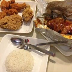 Photo taken at KFC (เคเอฟซี) by Ambab B. on 12/16/2013