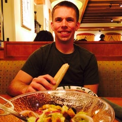 Photo taken at Olive Garden by Andrea S. on 8/11/2014