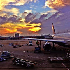 Photo taken at Hartsfield-Jackson Atlanta International Airport (ATL) by Edgard O. on 8/22/2013