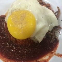 Photo taken at Restaurant Farouk & Sithick by Christine C. on 10/21/2015