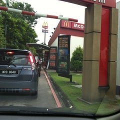 Photo taken at McDonald's by Poh Choo L. on 10/13/2012