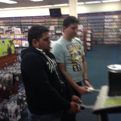 Photo taken at Blockbuster by Omar H. on 9/24/2013