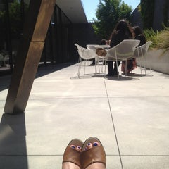 Photo taken at Blue Bottle Coffee by Vicki on 5/9/2013
