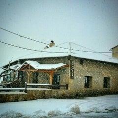 Photo taken at Εν Λευκώ by Αγγελής Γ. on 12/31/2014