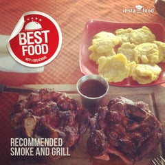 Photo taken at Smoke and grill by Víctor Eduardo P. on 2/3/2014