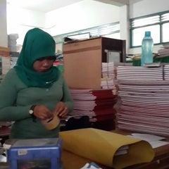 Photo taken at Pengadilan Negeri Medan by Wina S. on 10/18/2013