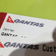 Photo taken at Qantas Club by Lachy G. on 5/23/2013